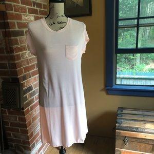 🤩Adam Levine pale pink t-shirt dress